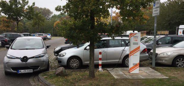 Parkplatzsensoren spüren Falschparker auf