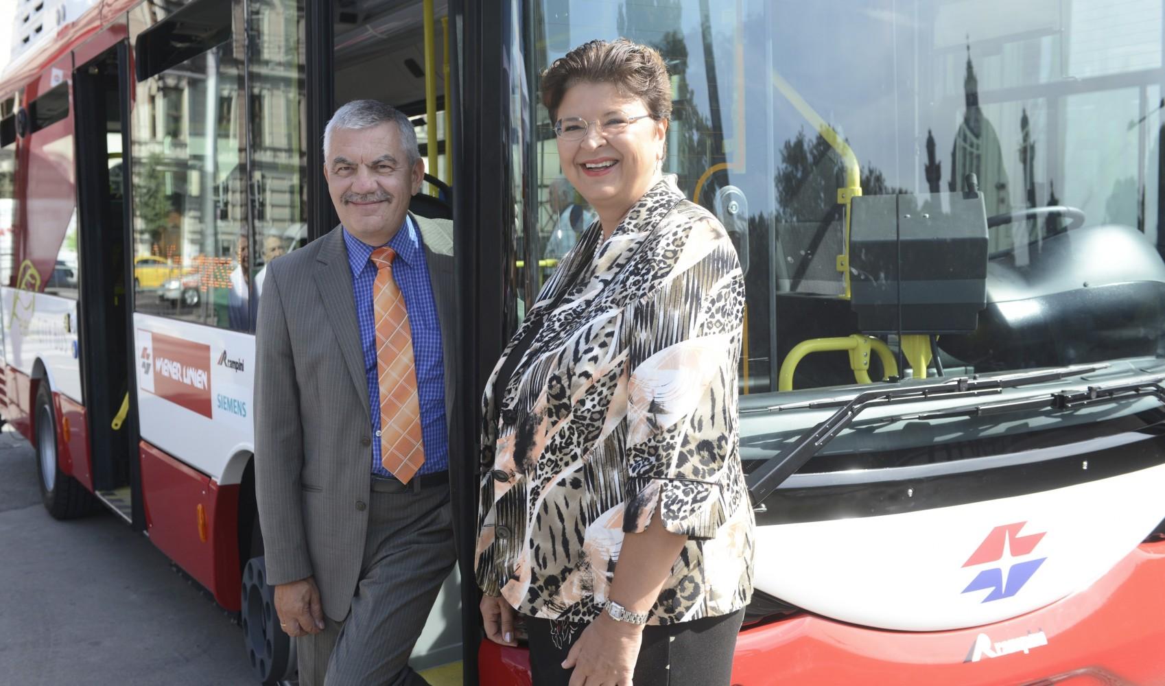 Wien: erster von zwölf Elektrobussen unterwegs