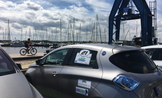 Ladepause am Hafen in Schleswig. Sonnenbrand inklusive. /Foto: comobility