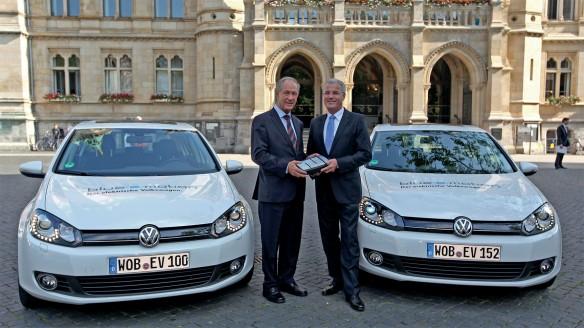 NABU fährt VW Golf Blue-e-Motion