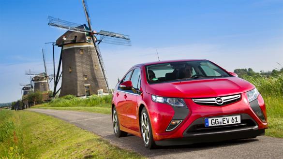 Niederländer kaufen Plug-In Hybride, fahren aber nur mit Benzin
