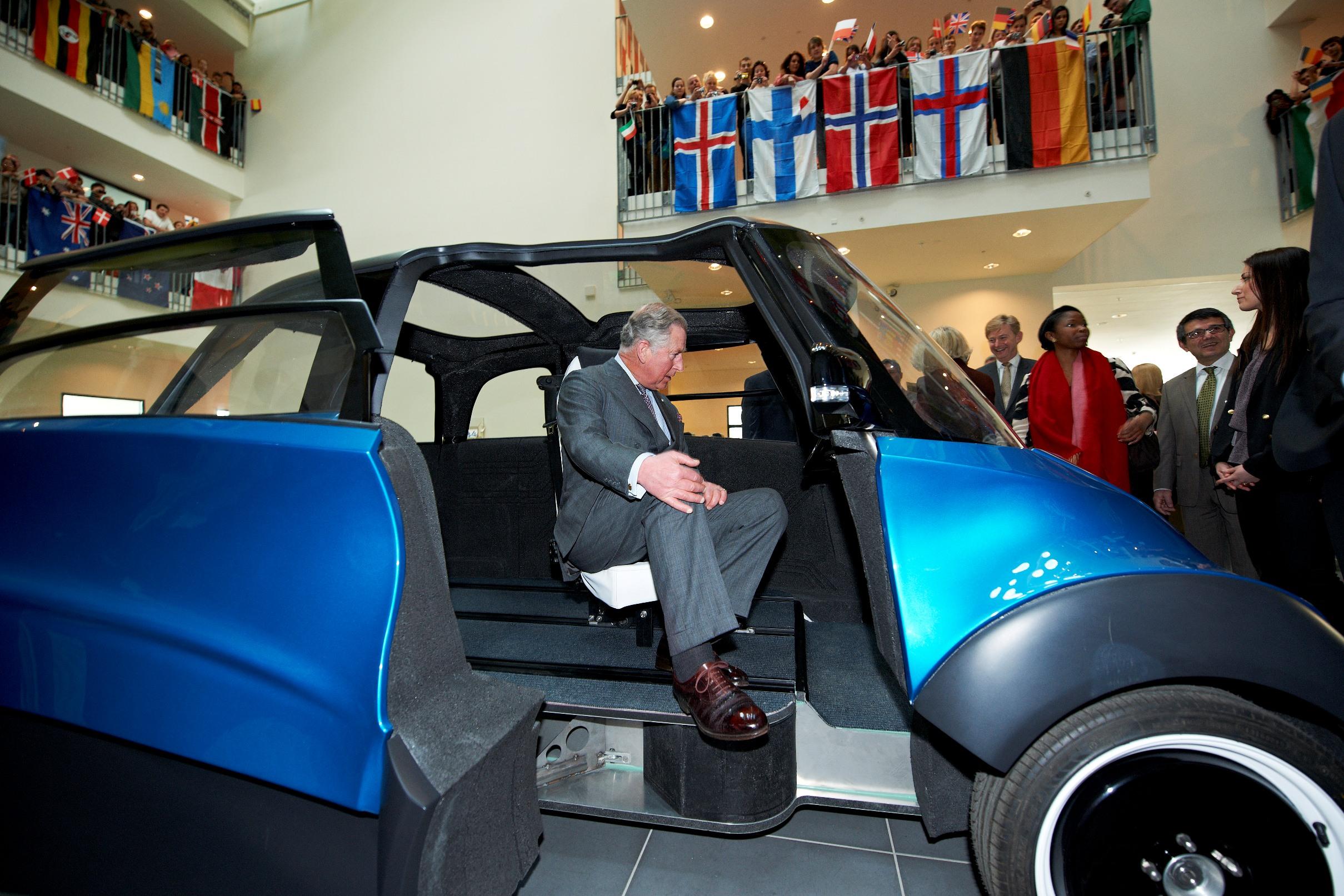 Prinz Charles besucht den QBEAK von ECOmove