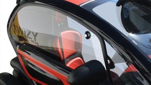 Elia bietet Seitenscheiben für den Renault Twizy
