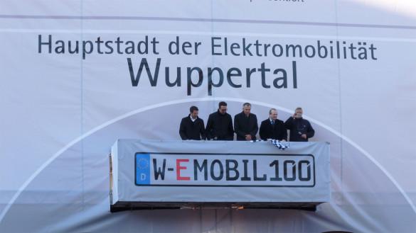 W-EMOBIL100 Wuppertal feiert 100 neue Elektroautos