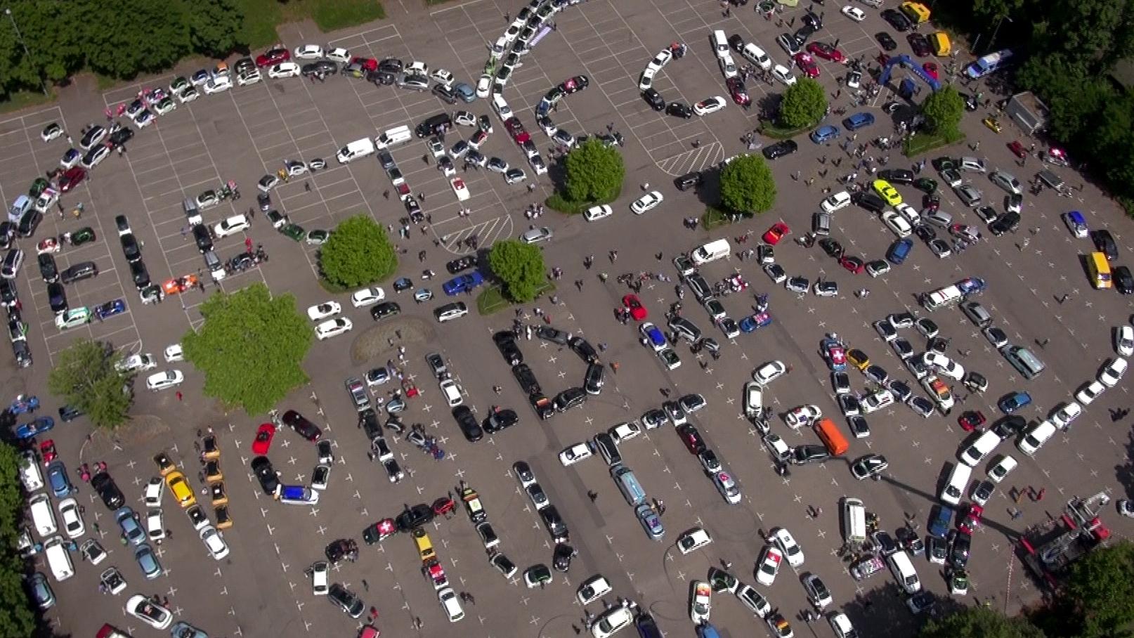 Größte Elektrofahrzeug-Parade der Welt – Rekordversuch am 23. Mai in Berlin beim Formel E Rennen