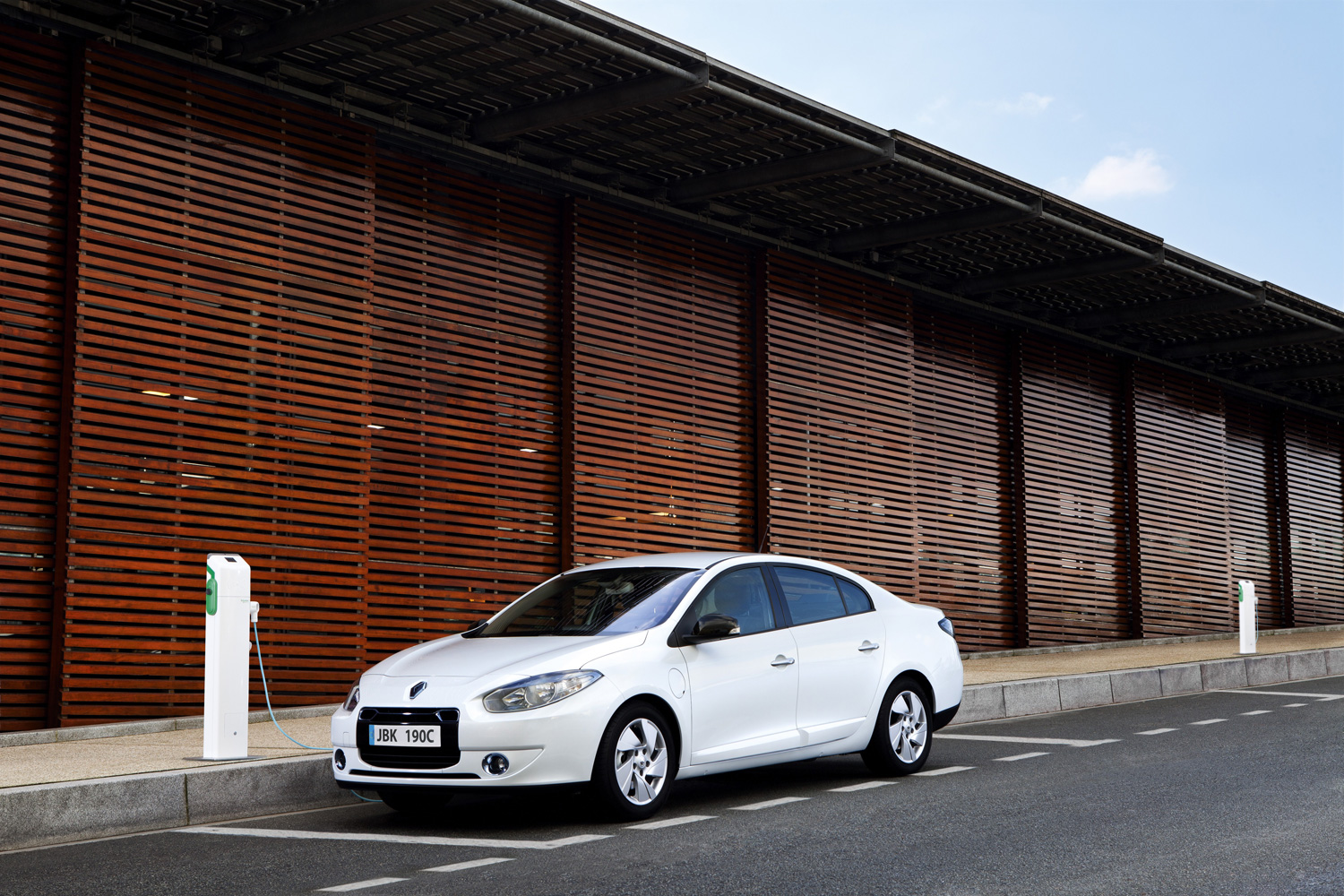 Volvo C30 electric & Renault Fluence Z.E. im ADAC Test [Video]