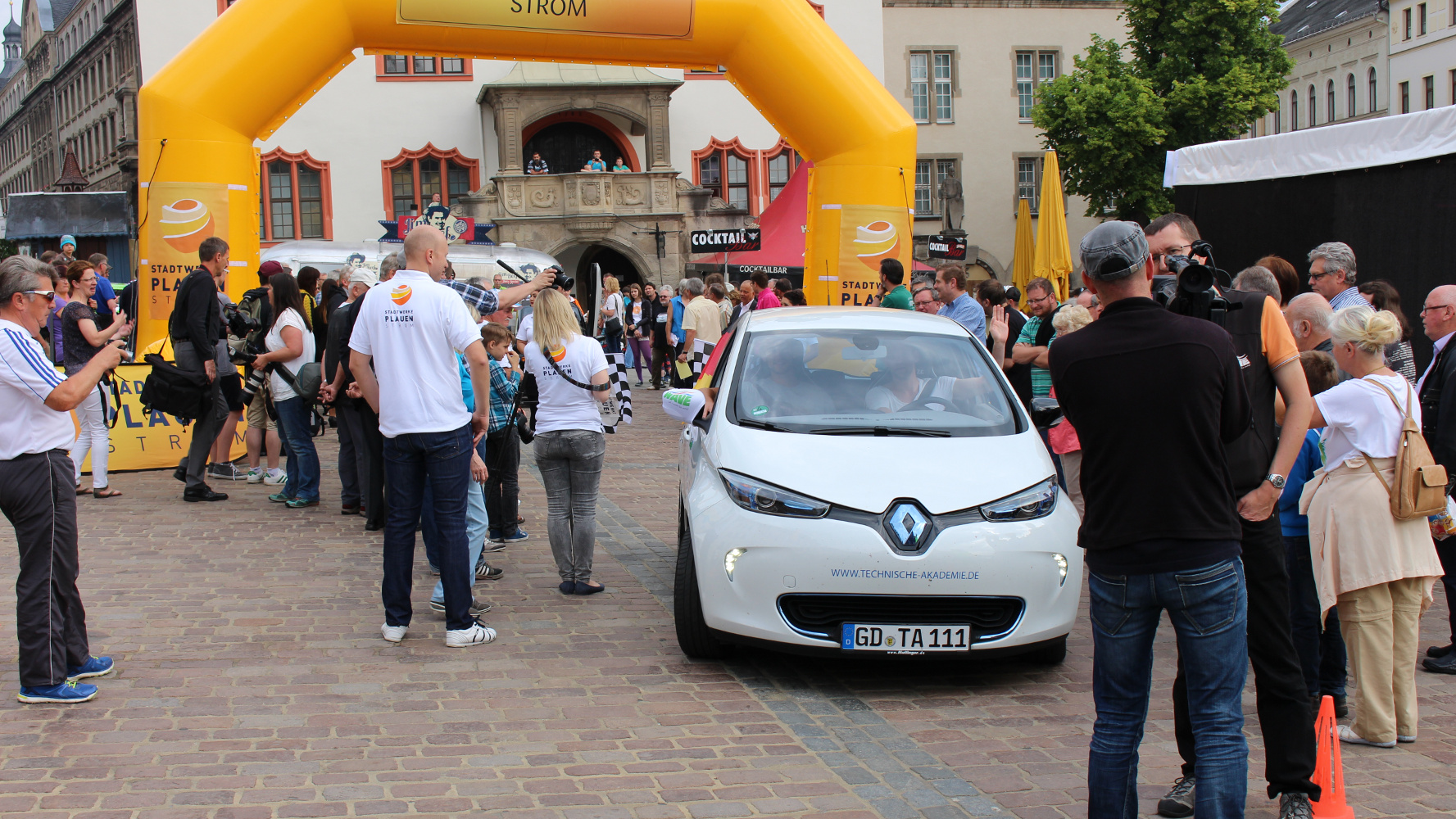 Tag 1 der WAVE 2015: Von Plauen nach Dresden