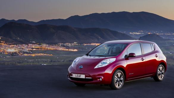 Zulassungszahlen Norwegen - Leaf vor Model S