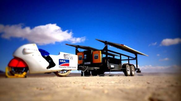 Lightning Elektromotorrad mit Solar zu neuem Rekord