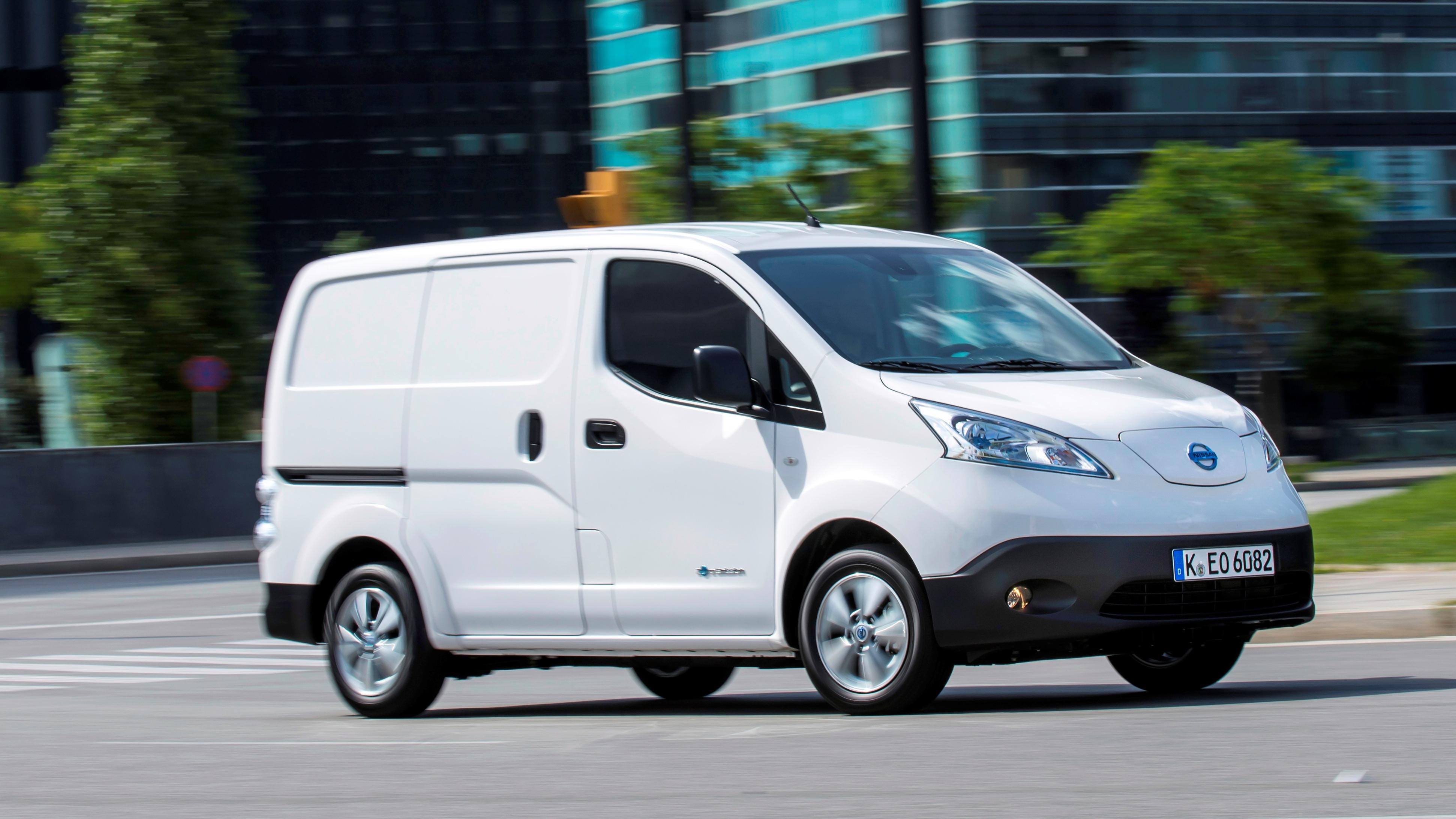 Nissan e-NV200 mit 40 kWh Batterie beginnt ab 28.660 Euro