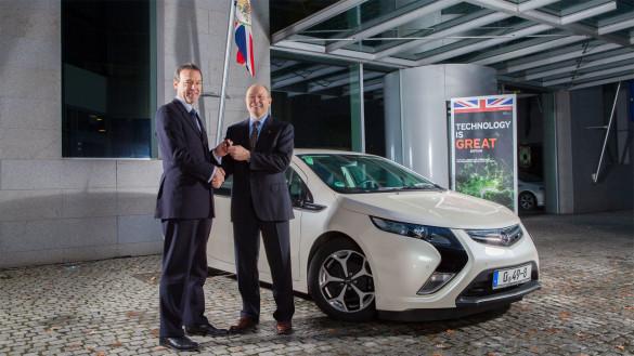Opel Ampera für die britische Botschaft