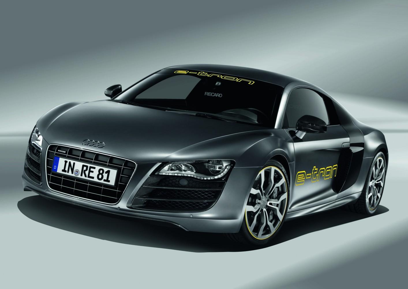 Audi R8 e-tron Testfahrt auf dem Nürburgring [Video]