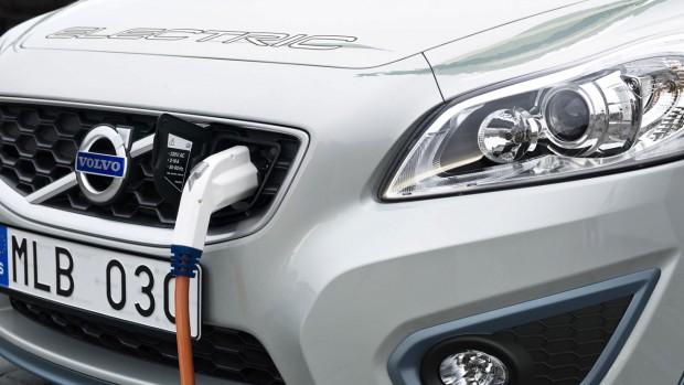 Studie: Elektroautos im Unterhalt 35 Prozent günstiger
