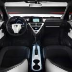 Toyota iQ EV Innenraum