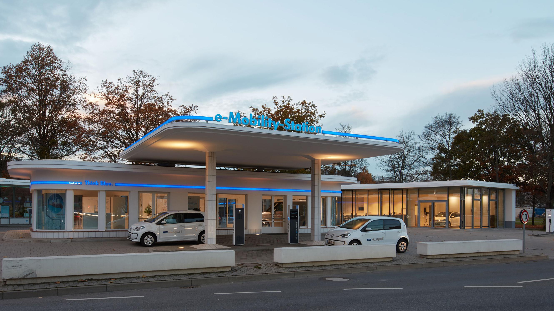 Spatenstich – Volkswagen baut e-Mobility-Station in Dresden