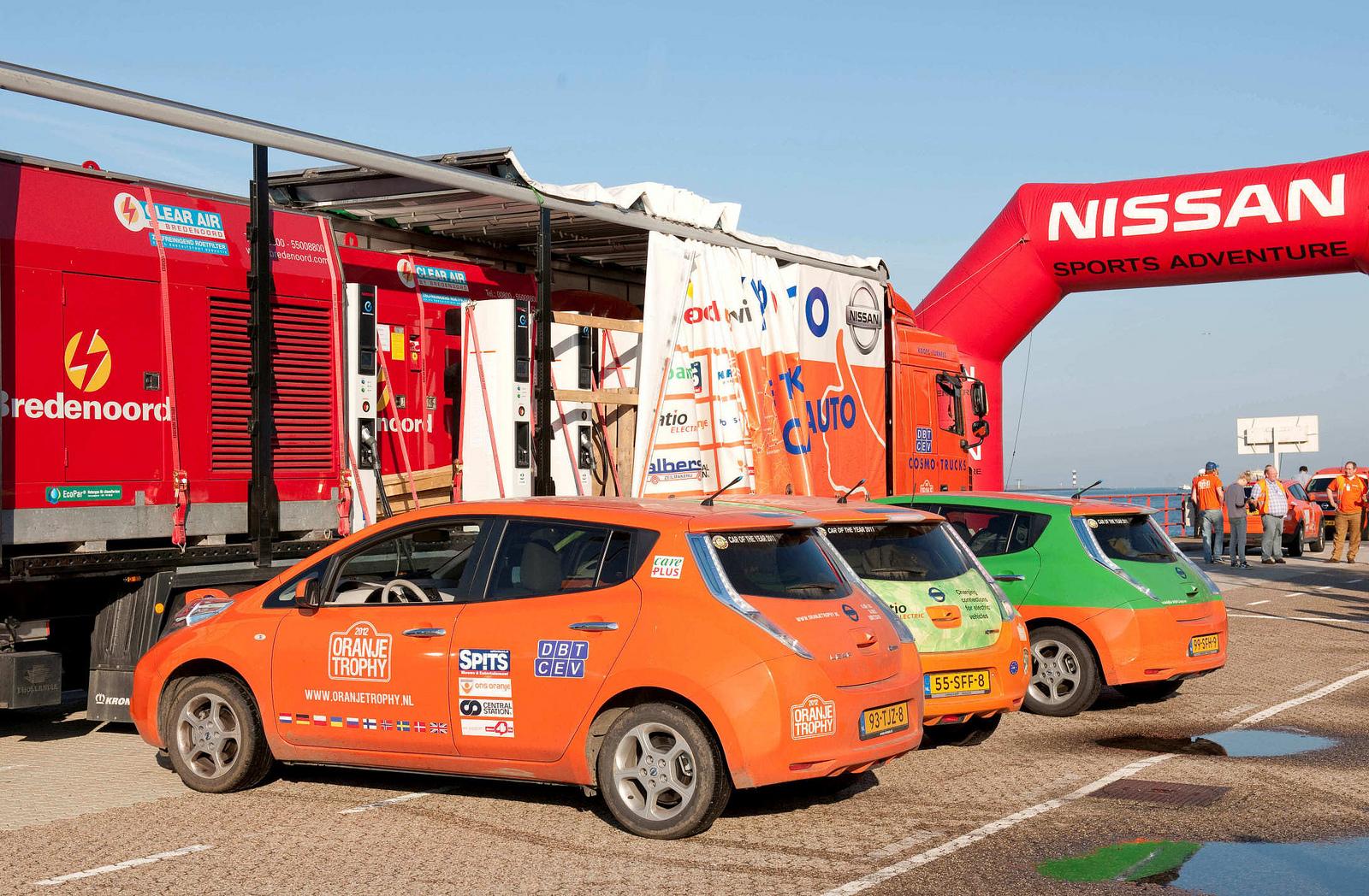 Oranje Trophy: 3 Nissan Leaf 12.500 km in 42 Tagen