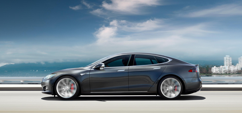 Ein Tesla Model S kann schwimmen